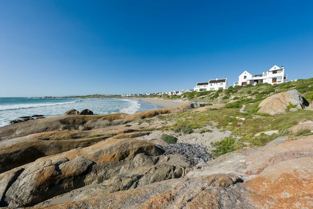african-mag-places-we-love--the-oystercatchers-haven-gal-img-2